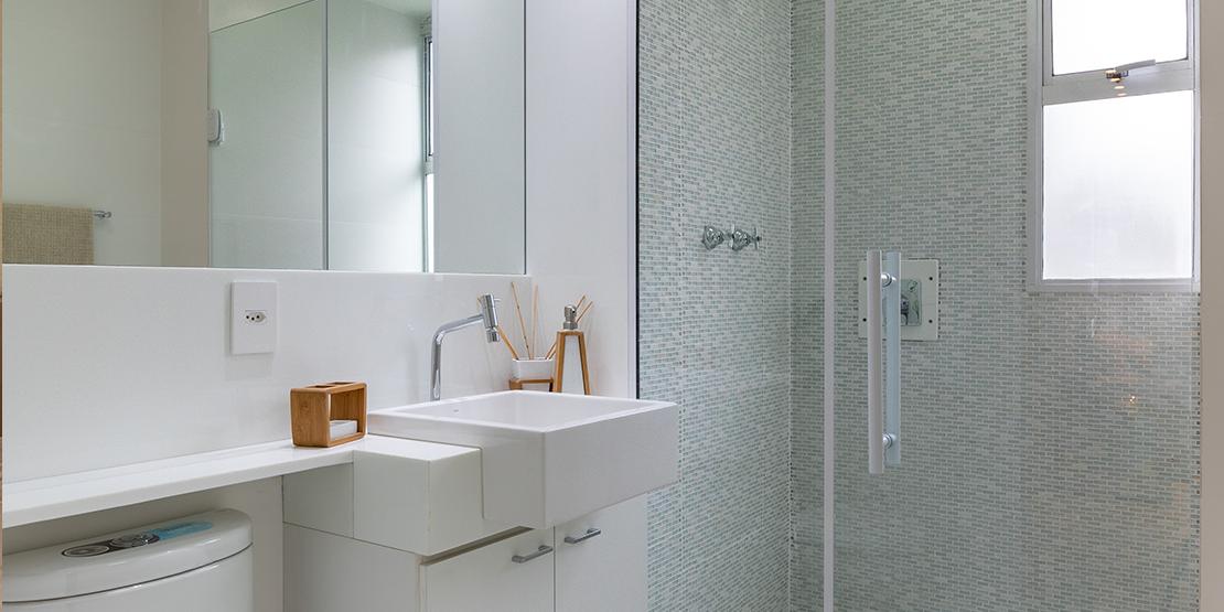 Banho do apartamento decorado Villaggio Florença